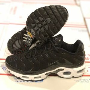 Air Vapormax Plus triple black 924453 women 6.5